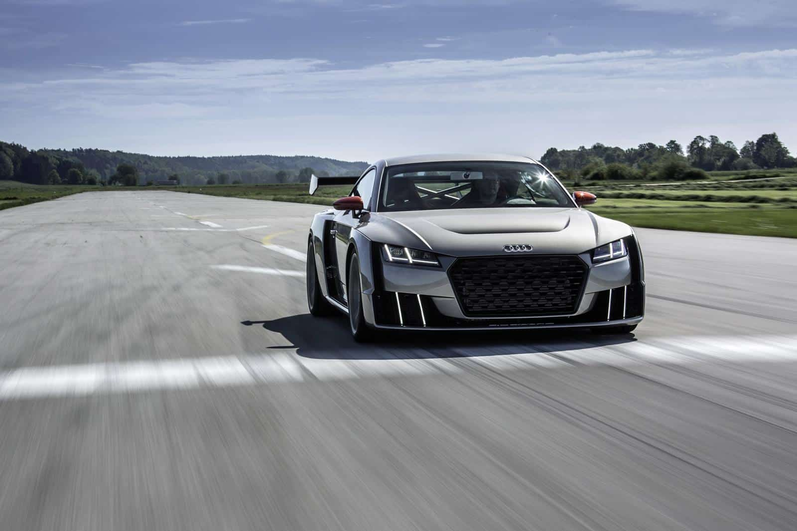 audi-tt-clubsport-25-liter-tfsi-with-electric-turbo-revealed-in-first-official-video_12