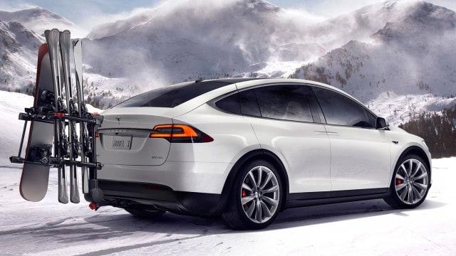 Tesla_Model_X_Snow_Exterior