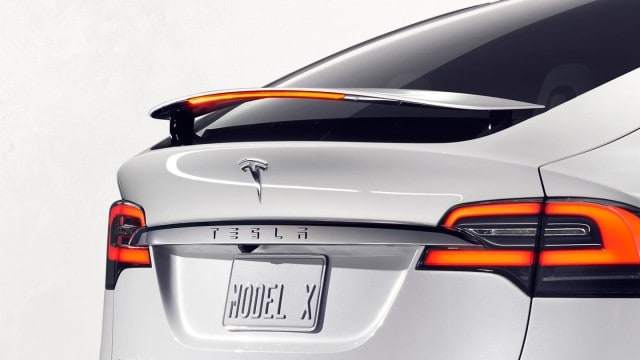 Tesla_model_x_p90d