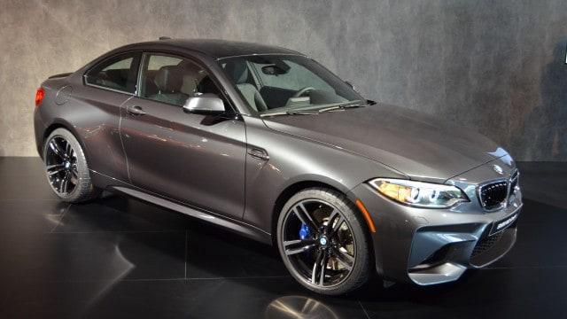 BMW-M2-Mineralgrau-F87-Mineral-Grey-04