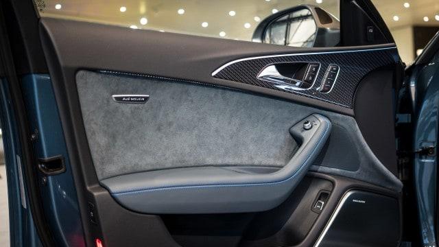 Audi_RS6_Exclusive_Interior_Tuerverkleidung