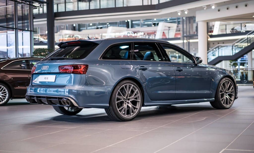 Audi RS6 Exclusive in Polar Blau Metallic