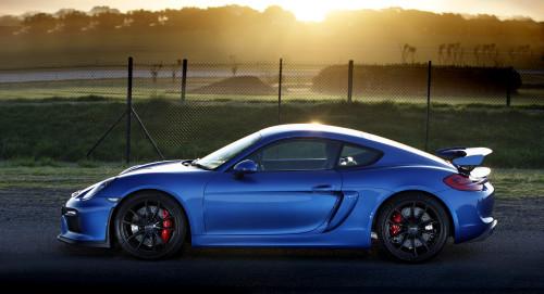 Porsche_Cayman_GT4