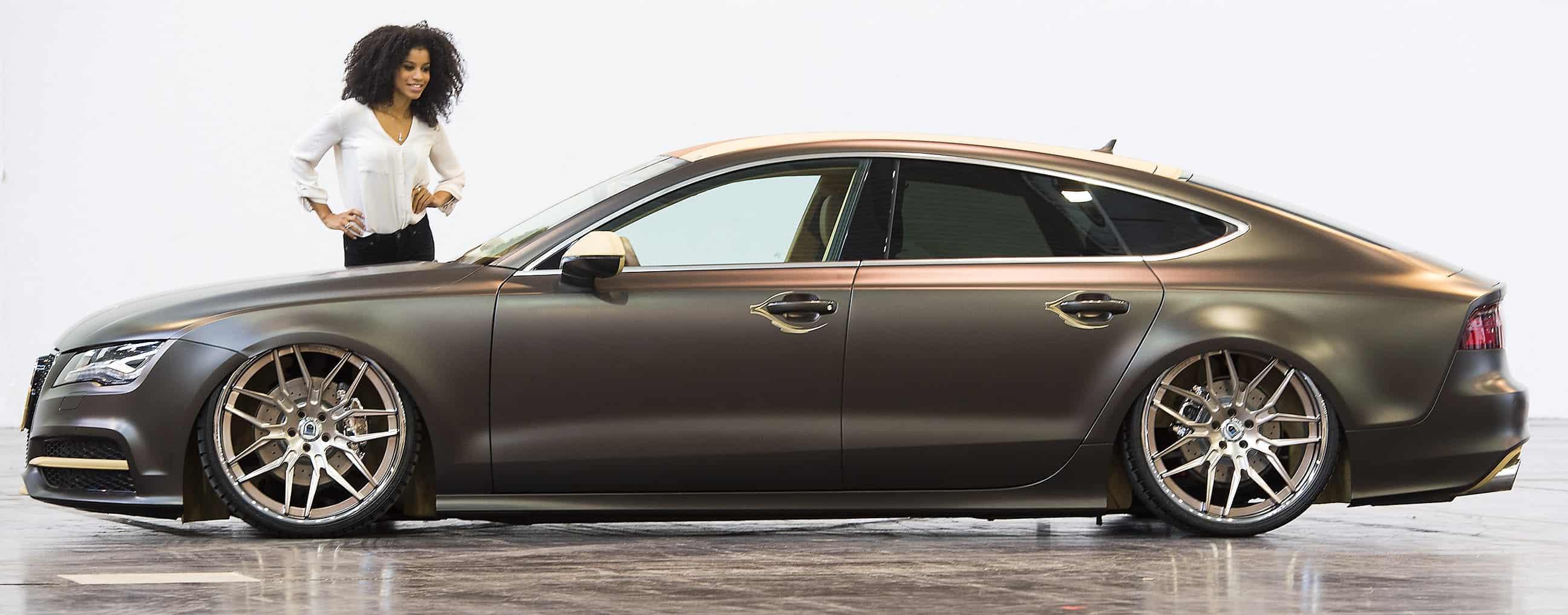 Audi A7 Sportback mit Model Luisa