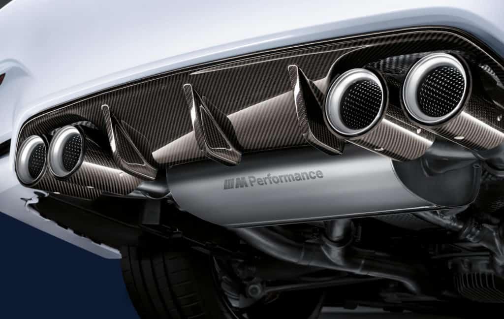 BMW M4 Coupe Performance Zubehör - Auspuffanlage und Carbon Heckdiffusor
