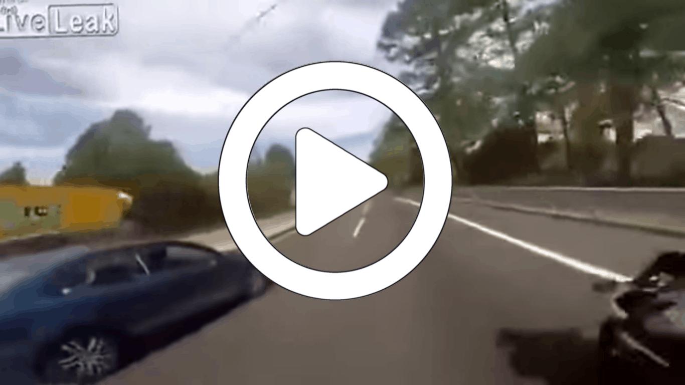 Video: Freundin zieht Handbremse auf Autobahn #fail