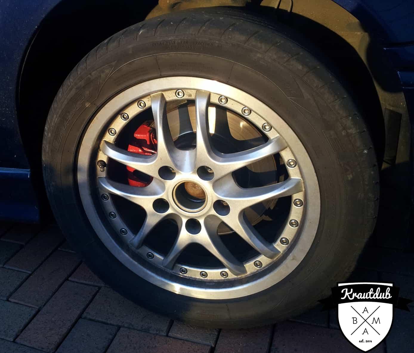 Bremssattel in Rosso Rot am BMW E36 mit RH-Felgen