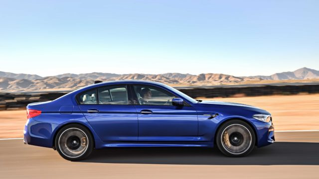 BMW_M5_F90P90272988_highRes_the-new-bmw-m5-08-20