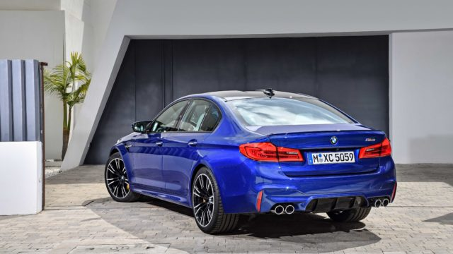 BMW_M5_F90P90272993_highRes_the-new-bmw-m5-08-20