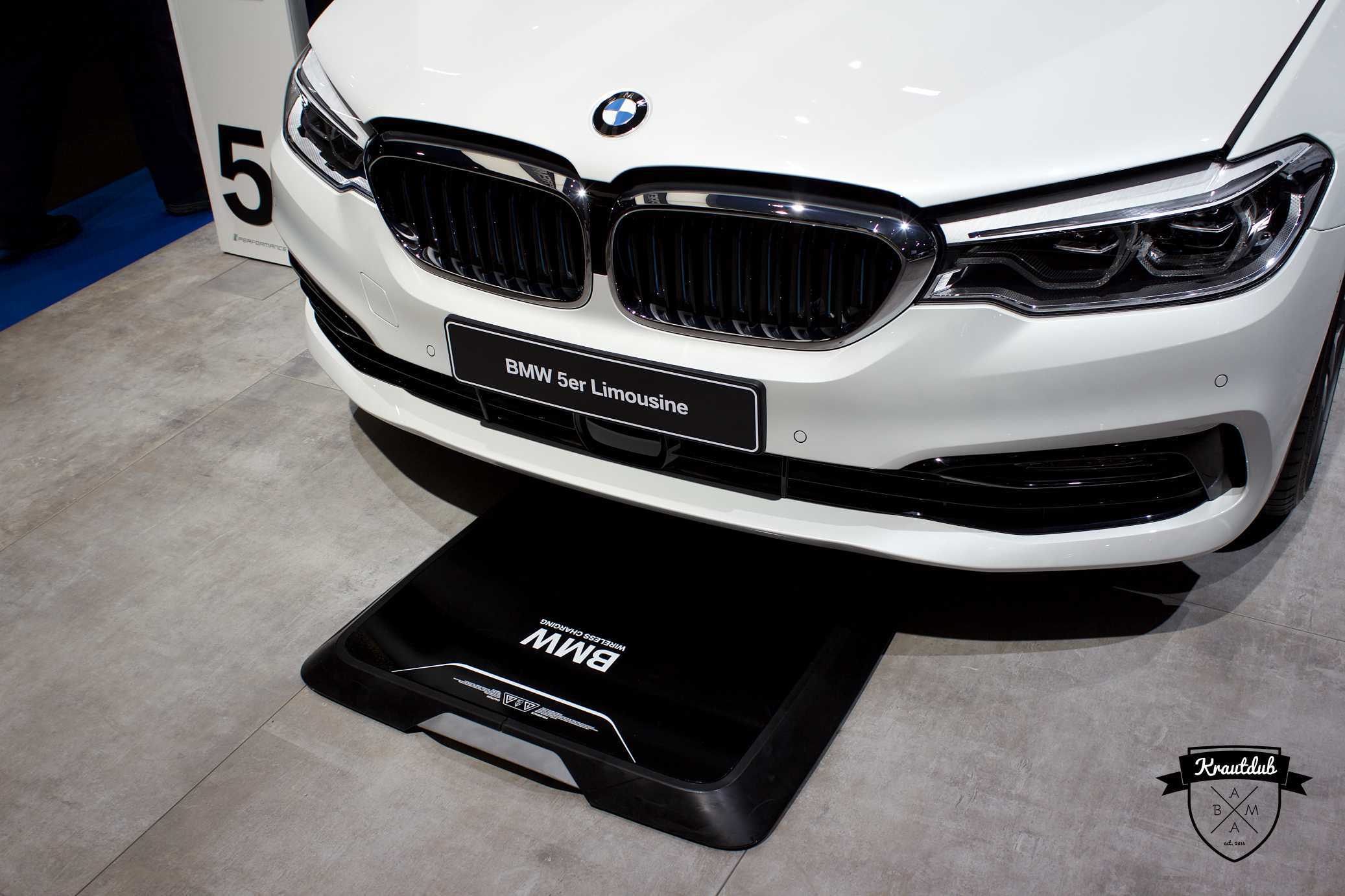 BMW 5er Wireless Charging - IAA 2017