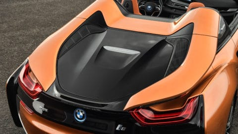 P90285396_highRes_the-new-bmw-i8-roads