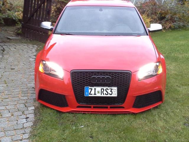 Audi RS3 mit Engschrift - Foto: kurzes-kennzeichen.de