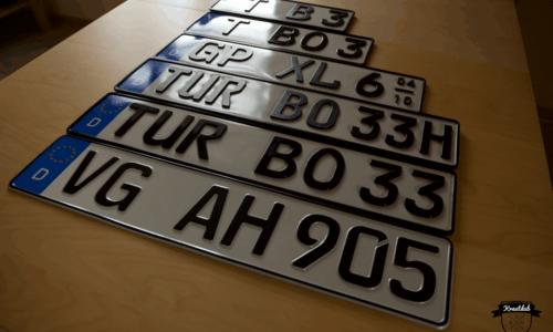 [Review] 3D-Kennzeichen vs. normales Blechkennzeichen