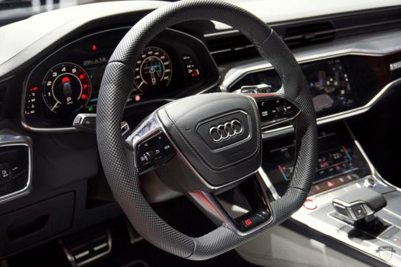 Audi RS6 C8 Innenraum / Interior - Lenkrad & Cockpit