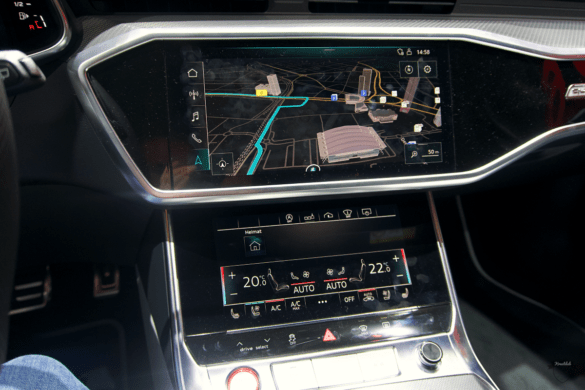 Audi RS6 C8 Innenraum / Interior - Digitale Displays in der Mittelkonsole