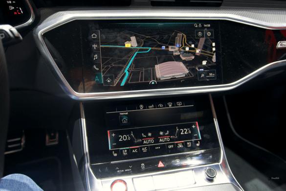 Audi RS6 C8 Innenraum / Interior - Digitale Displays in der Mittelkonsole