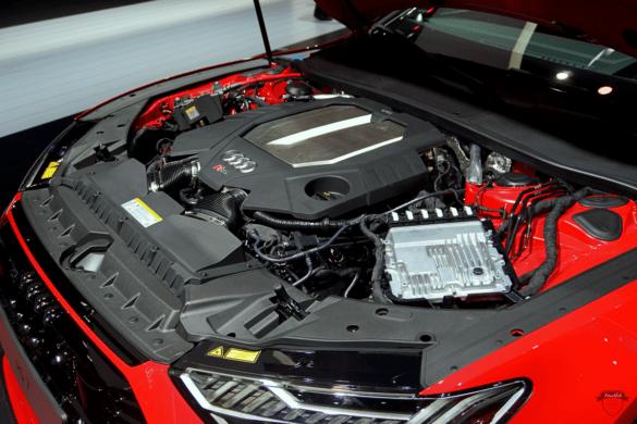 Audi RS7 C8 Motorrraum & V8-Motor