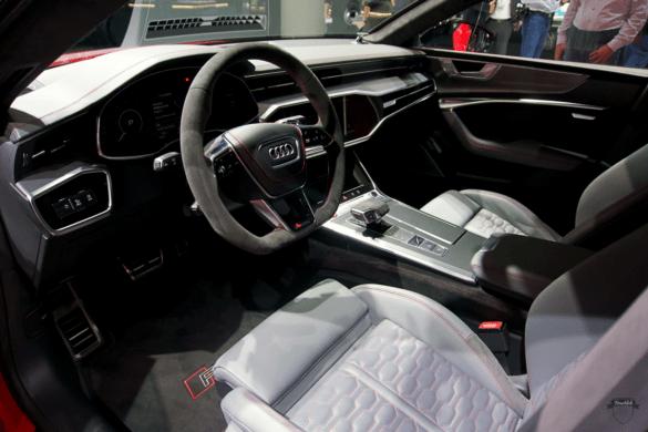 Audi RS7 C8 Innenraum / Interior - Lenkrad, Cockpit & Fahrer-Beifahrersitz