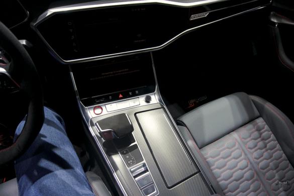 Audi RS7 C8 Innenraum / Interior - Carbon-Mittelkonsole