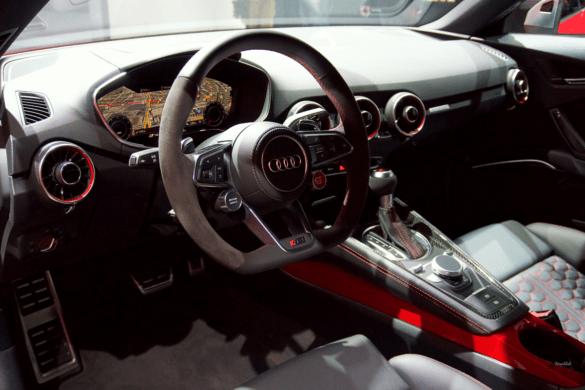 Audi TTRS Innenraum / Interior - Lenkrad & Cockpit