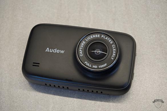 Kameralinse der Audew HD Dashcam